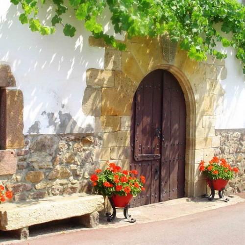 Etxalar doorway, Navarra