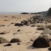 Cobreces beach rocks