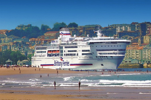 Photo of Ferry in port - Santander