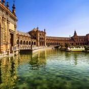 Sevilla Plaza de España lake