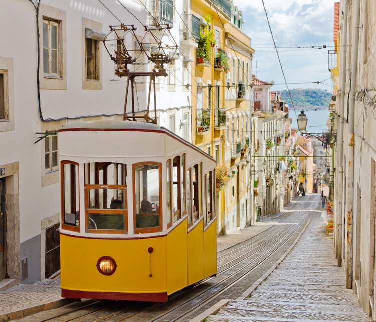 Photo of tram in Lisboa