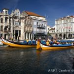 Photo of moliceiros in Aveiro